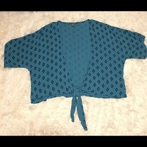 Xs Charlotte Rouse cover up/Shawl/blouse blue